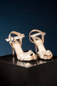 Debbie does Disco Rose Gold High Heels, Hot Heels, Shoe Shop, Kid Shoes, Going Out, Sparkle, Footwear, Man Shop, Style Inspiration
