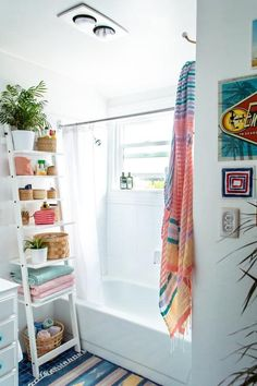 Échelle de rangement dans la salle de bain