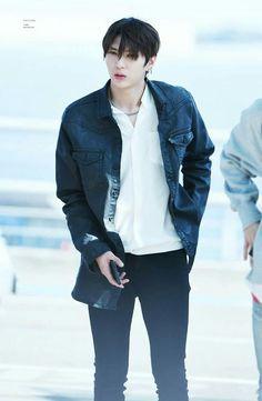 Leo  he's like a dark prince  #VIXX