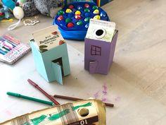 Die besten Bastelideen mit Tetrapaks – nachhaltig Basteln kann so einfach sein! #energieleben #wienenergie #tetrapaks #basteln #kinder #zerowaste #diy Zero Waste, Nintendo Consoles, Usb Flash Drive, Bricolage, Simple, Small Purses, Usb Drive