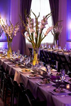 The Top 10 Most Inexpensive (But Totally Beautiful!) Flowers   Photo by: Q Weddings   TheKnot.com