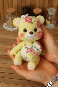 羊毛フェルト 花くま   Needle felted teddy bears