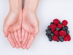 Mixed Berries - feature on food portions Healthy Tips, Healthy Eating, Healthy Recipes, Healthy Food, Keto Recipes, Food Portion Sizes, Food Portions, Food Porn, 200 Calories