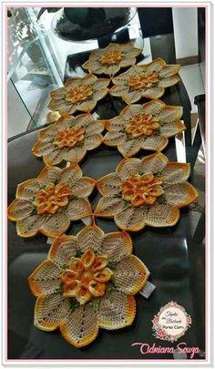 - Her Crochet Crochet Doily Patterns, Thread Crochet, Crochet Motif, Crochet Designs, Crochet Doilies, Crochet Flowers, Crochet Stitches, Crochet Home, Irish Crochet