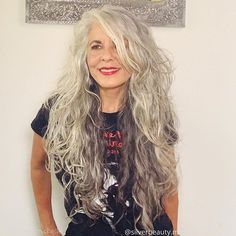 Grey Blonde Hair, Short Grey Hair, Silver Grey Hair, Gray Hair Growing Out, Grow Hair, Grey Hair Before And After, Grey Hair Transformation, Transition To Gray Hair, Rapunzel Hair