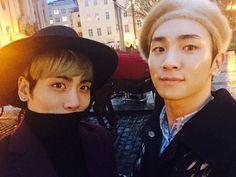 우리 형 생일 축하해 사랑해 보고싶어 Key revela foto de el y Jonghyun de Shinee