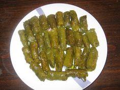 Παραδοσιακές και όχι μόνο συνταγές που προσδοκούμε να τα απολαύσετε. Greek Recipes, Asparagus, Greek Beauty, Vegetables, Ethnic Recipes, Greece, Food, Greece Country, Studs