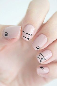 Nail art is a very popular trend these days and every woman you meet seems to have beautiful nails. It used to be that women would just go get a manicure or pedicure to get their nails trimmed and shaped with just a few coats of plain nail polish. Cat Nail Art, Animal Nail Art, Cat Nails, Nude Nails, Pink Nails, Minion Nails, Glitter Nails, Coffin Nails, Beige Nails