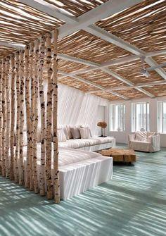 Moins pratique pour ici, mais le matériaux utilisé pour les murs et le plafond est très créatif et donne un fini esthétique très beau.