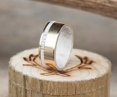 Hey, I found this really awesome Etsy listing at https://www.etsy.com/listing/277080488/mens-wedding-band-10k-gold-elk-antler