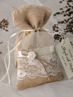rustic country burlap wedding favor bags #rustic wedding #countrywedding