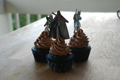 my deep chocolate contrast cupcakes.. star wars of course !