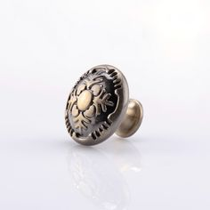 Visit our site and see our full range of pulls and knobs on sale. Vintage Drawers, Cabinet And Drawer Knobs, Antique Brass, Gemstone Rings, Hardware, Jewelry Rings, Computer Hardware