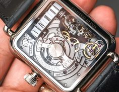 Join our latest Hands-On with Ariel Adams talking about the SIHH presented H. Moser & Cie Swiss Alp Watch Minute Retrograde limited to 10 pieces. The  jumping hours are indicated on a thread and there is an interesting escapement form in this timepiece.