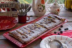 7gramas de ternura: Tarte Coberta de Maçã, Mirtilos e Amêndoa Control, Sim, Waffles, Sweets, Banana, Breakfast, Desserts, Apple Cobbler, Wafer Cookies