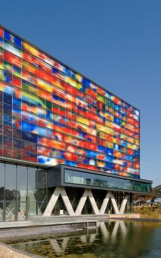 Situated in Hilversum, Netherlands Institute for Sound and Vision is one of the largest audiovisual archives in Europe with its collection of more. Education Architecture, Glass Molds, Facade Design, Industrial Lighting, Atrium, Sound & Vision, Contemporary Architecture, Netherlands, Around The Worlds