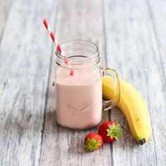Aardbei-Banaan smoothie - Mariëlle in de Keuken smoothieaumatcha Carrot Smoothie, Matcha Smoothie, Strawberry Banana Smoothie, Smoothie Drinks, Fruit Smoothies, Smoothie Recipes, Make Ahead Smoothies, Healthy Breakfast Smoothies, Smoothies Banane