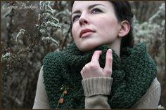 """Снуд с брошью """"Дыхание леса"""" - тёмно-зелёный,снуд,вязаный шарф,снуд спицами"""