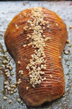 Hunajaisen herkullinen hasselbackan myskikurpitsa – Ripaus tryffeliä