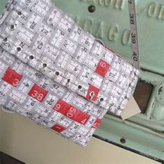 Tape measure purse-artsy-crafty