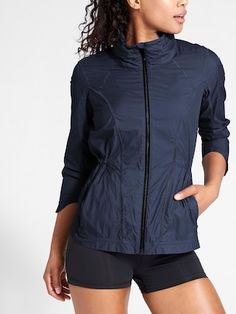 brand new 5cae7 c5db7 The lightweight Distance Jacket is perfect for running or traveling this  summer, complete with ventilation