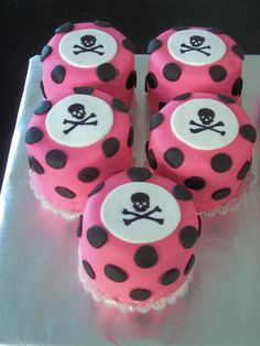 Skull & Pink Polka Dot Mini Cakes  by www.itsybelle.com