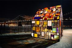 stained glass windows city urban -  stained glass windows city urban free stock photo Dimensions:2509 x 1673 Size:1.40 MB  - http://www.welovesolo.com/stained-glass-windows-city-urban/