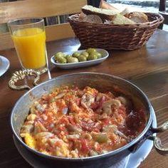 Van Kahvaltı Evi - Turkish scrambled eggs with sausage and mushroom - Istanbul, Turkey