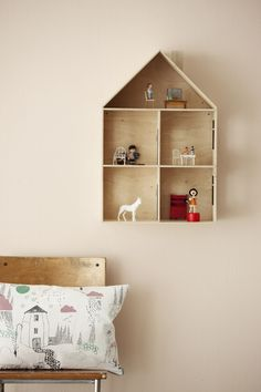 Dollhouse, I love the idea of having it hang up on the wall when you're done playing! And this would be so easy to make
