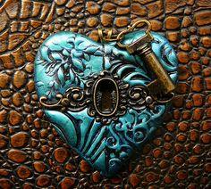 Polymère Pendentif coeur bronze clef façon antiquité