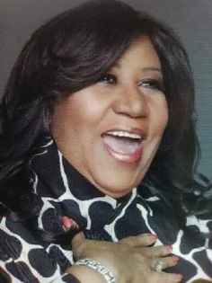 Remembering you on your Birthday! Old School Music, Soul Funk, Special Pictures, African American Women, American History, Aretha Franklin, Queen, Celebs, Celebrities