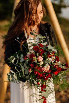 Wedding hair and makeup ideas. Boho Wedding Flowers, Tipi Wedding, Boho Inspiration, Wedding Inspiration, Wedding Hair And Makeup, Hair Makeup, Diy Tipi, Boho Bride, Boho Decor