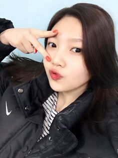 red velvet joy selca