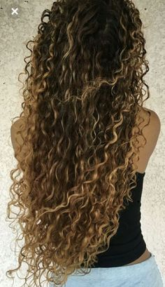 71 most popular ideas for blonde ombre hair color - Hairstyles Trends Ombre Curly Hair, Colored Curly Hair, Curly Hair Tips, Ombre Hair Color, Long Curly Hair, Curly Hair Styles, Updo Curly, Curly Girl, Curly Bob