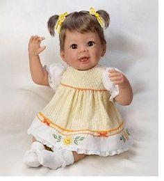 ASHTON DRAKE WHEN SHE'S SMILING LITTLE RAY OF SUNSHINE BABY DOLL HOLD POSE