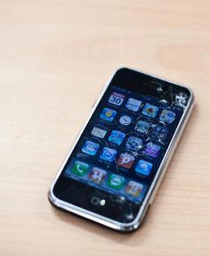 Do Apple Retail Stores fix broken iPhones?