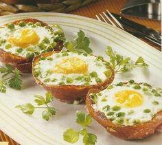 Ovos Escalfados com Ervilhas em Cestos de Salame - https://www.receitassimples.pt/ovos-escalfados-com-ervilhas-em-cestos-de-salame/