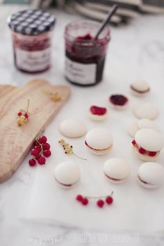 lavender honey macarons by jenna rae cakes kochen. Black Bedroom Furniture Sets. Home Design Ideas