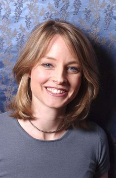 Jodie Foster and her beautiful blue eyes! Jodie Foster, Alexandra Hedison, The Fosters, Victor Demarchelier, Greg Williams, The Brave One, Elizabeth Montgomery, Beautiful Blue Eyes, Beautiful Smile