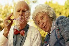 O que a mocidade deseja, a velhice o tem em abundância.