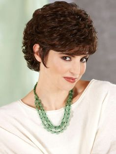 Short hairstyle with curls for women over 40-2