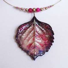 Necklace made with a porcelain leaf, molded on real hydrangea leaf, and agate beads. One of a kind, handmade in Switzerland. www.ilemas.ch