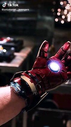 Marvel Fan, Marvel Avengers, Iron Man Death, Marvel Comics Superheroes, Marvel Heroes, Video Iron Man, Iron Man Wallpaper, Iron Man Avengers, Iron Man Armor