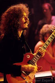 Carlos Santana, 1971  Copyright: Michael Zagaris