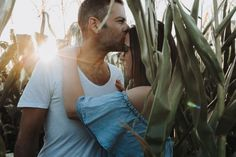 Coupleshooting zur Golden Hour in Baden bei Wien #couple #kiss #goldenhour Golden Hour, Couple Photography, Couples, Mens Tops, Ideas, Style, Fashion, Bathing, Swag