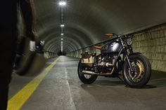 There's an air of menace around this custom BMW R69S built by ER Motorcycles. And the name helps: It's called 'Thompson,' after the infamous gangster gun.