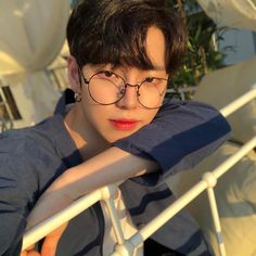 Read Lim Dohyun from the story Ulzzang Coréen Répertoire by Jiminny (ur boo) with reads. Korean Boys Hot, Korean Boys Ulzzang, Korean Men, Ulzzang Girl, Korean Girl, Korean Style, Korean Aesthetic, Aesthetic Boy, Cute Asian Guys