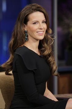 Kate Beckinsale - love the hair, make-up and earrings...stunning.