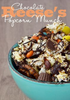 Chocolate REESE'S Popcorn Munch – Dan330