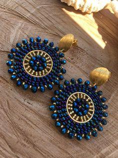 Beaded Earrings Patterns, Bead Earrings, Gold Earrings Designs, Mandala Jewelry, Bead Jewellery, Handmade Wire Jewelry, Earrings Handmade, Diy Accessoires, Diy Jewelry Projects